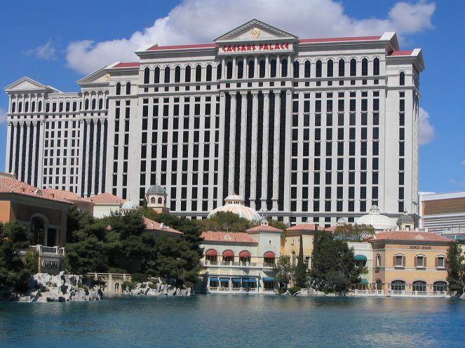 1200px-Caesars_Palace_-_Across_Bellagio_Lake