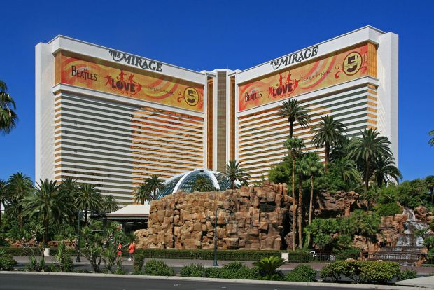 1200px-The_Mirage_Hotel,_Las_Vegas,_2012
